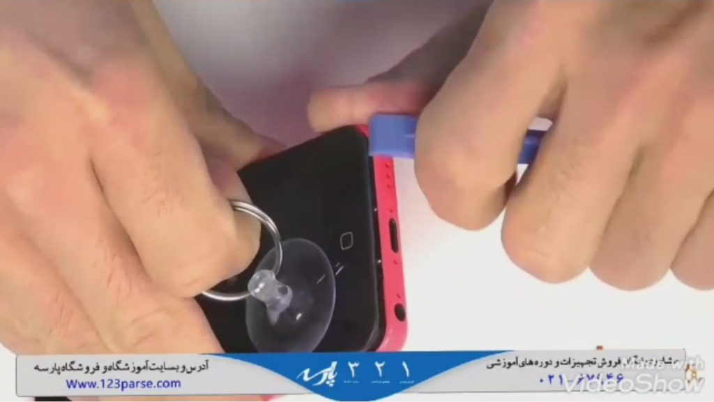 آموزش تعمیر صفحه نمایش و باز و بسته کردن گوشی آیفون ۵c